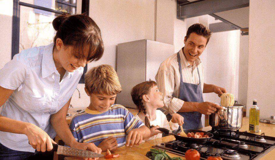5 consejos para no vivir en la cocina cuando tienes niños pequeños